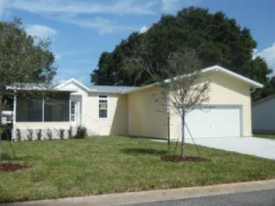 Mobile Home at 2707 Niagara Way Grand Island, FL 32735