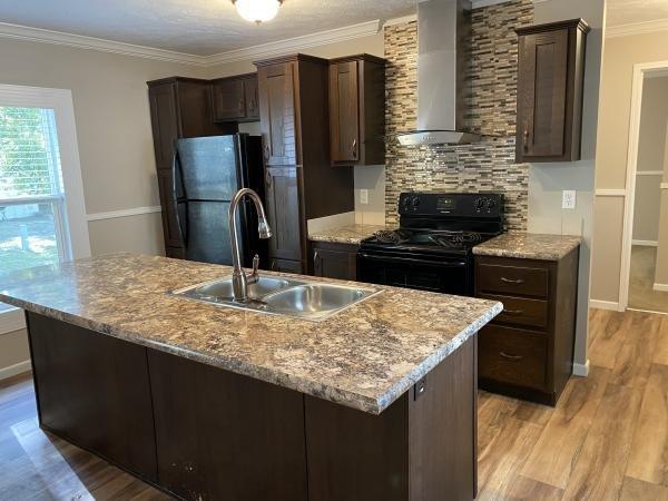 2017 WAYCROSS Mobile Home For Sale