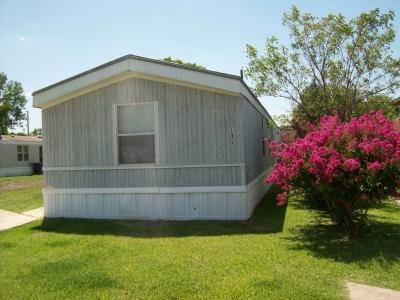 Mobile Home at 14311 Skyfrost Dr Lot #131 Dallas, TX 75253