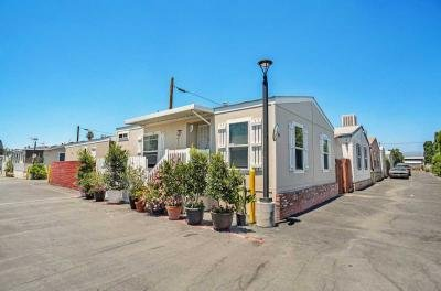 Mobile Home at 7560 Woodman Place #85 Van Nuys, CA 91405