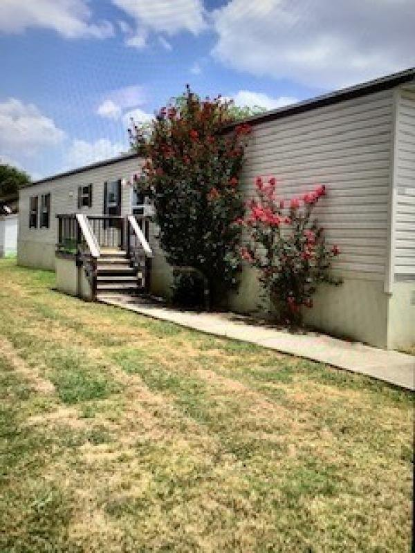 2013 FLEETWOOD Mobile Home For Rent