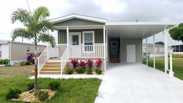 Photo 1 of 2 of home located at 1455 90th Avenue, Lot 23 Vero Beach, FL 32966