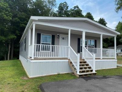 Mobile Home at 423 Rolling Hills Vilalge Morgantown, WV 26508