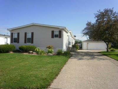 Mobile Home at 10917 W. Gateway Dr. Frankfort, IL 60423
