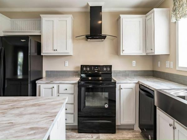 2019 Champion - Lake City LaBelle Mobile Home
