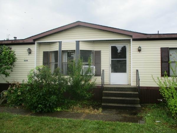 1990 WESTRIDGE Mobile Home For Rent