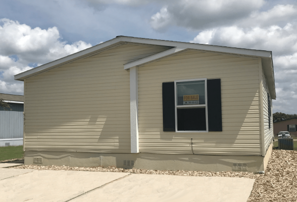 2011 Clayton Mobile Home For Rent
