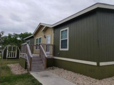 Mobile Home at 411 Lookout Ridge Lp San Marcos, TX 78666