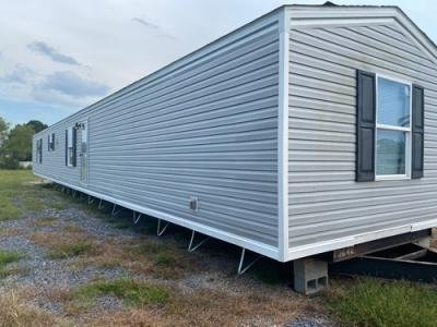 Mobile Home at 8304 West Highway 90 New Iberia, LA 70560
