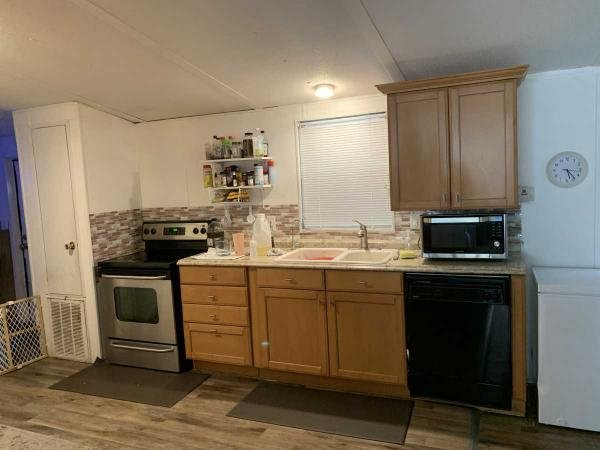 1986 gree Mobile Home For Rent