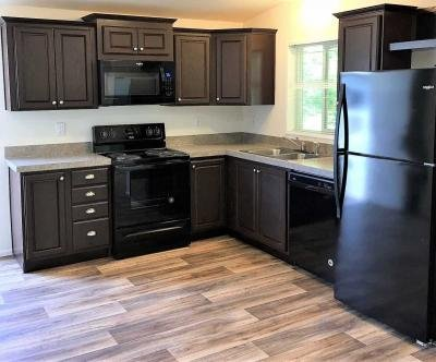 Mobile Home at 11941 Sw Royal Villa Dr. Lot#197 Tigard, OR 97224