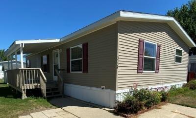 Mobile Home at 3336 Susan Cir South #032 Park City, IL 60085