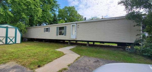 1998  Mobile Home For Rent