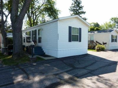 Mobile Home at 32551 N West Lane Grayslake, IL 60030