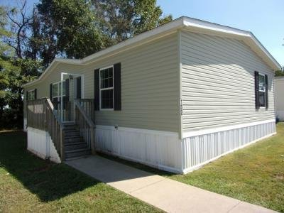 Mobile Home at 132 Lynnwood Circle Clarksville, TN 37040