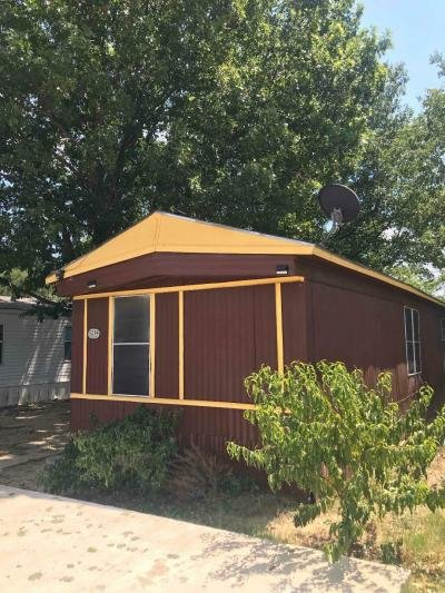 Mobile Home at 5234 Vanetta St Irving, TX 75061