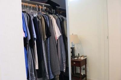 Accommodating closet