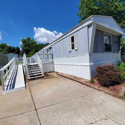 Mobile Home at 280 Pinedale Saint Charles, MO 63301