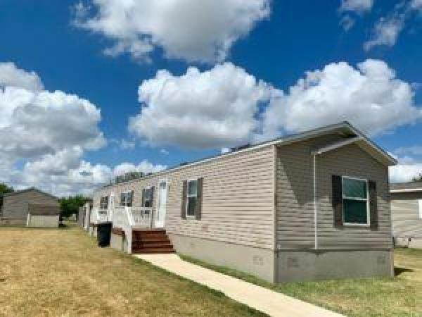 2010 Clayton Mobile Home For Rent