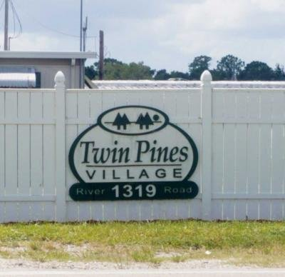 Mobile Home at 4377 Hitzing Ave North Fort Myers, FL 33903