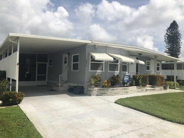 Photo 1 of 2 of home located at 2315 York Drive Sarasota, FL 34238