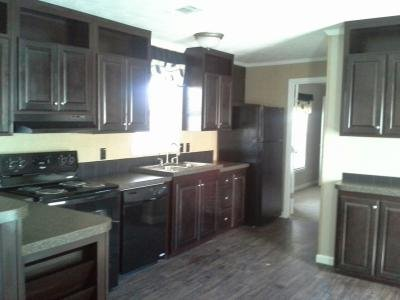 Mobile Home at 7615 Twin Parks Drive Lot Tp7615 Arlington, TX 76001