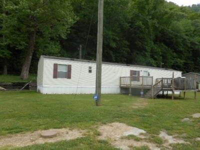 Mobile Home at 5315 Hinchman Bend Rd Salt Rock, WV 25559