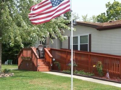 Mobile Home at 25082 Deer Creek Drive Flat Rock, MI 48134