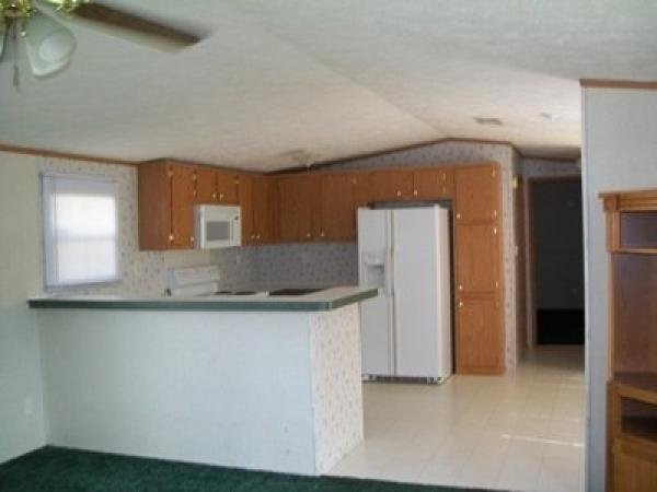2001 CMH MANUFACTURING INC Mobile Home For Sale