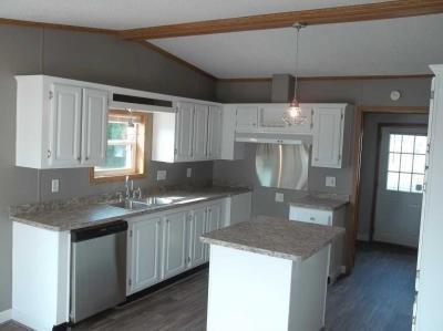Mobile Home at 24720 Canyon Circle Flat Rock, MI 48134