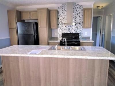 Mobile Home at 419 Parkwood Estates Dr Lot 73 Plant City, FL 33566
