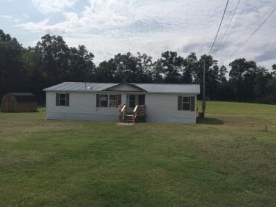 Mobile Home at 381 Island Ford Rd Lancing, TN 37770