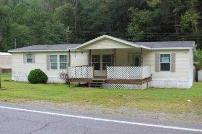 Mobile Home at 1280 Route 65 Red Jacket, WV 25692