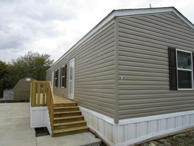 Mobile Home at 5818 N. Bellview Ave Lot Be5818 Kansas City, MO 64118