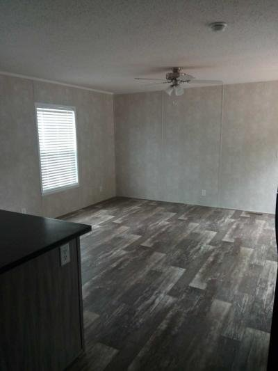Mobile Home at 320 Shady Brook Heights Greenwood, IN 46142