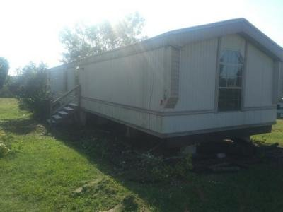 Mobile Home at 390 County Road 38 Florence, AL 35634