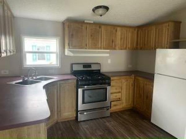 1998 HOLL Mobile Home For Rent