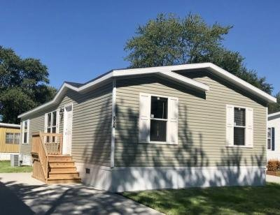 Mobile Home at 272A Walnut Justice, IL 60458