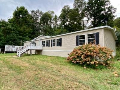 Mobile Home at 662 Tackett Loop Caryville, TN 37714