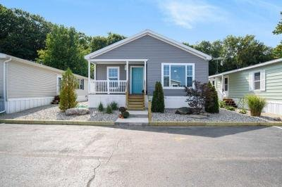 Mobile Home at 6238 Arrowhead Dr. Fennville, MI 49408