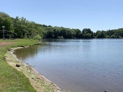 Lake is a 10min walk away