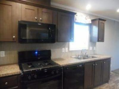 Mobile Home at 8535 Maurice Ct Newport, MI 48166