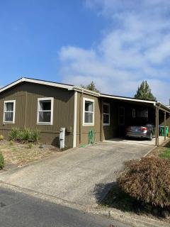 Photo 3 of 29 of home located at 4750 SE 133rd Dr #101 Portland, OR 97236