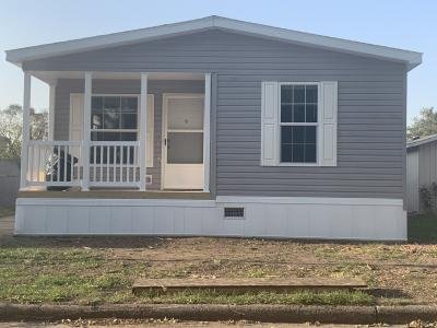 Mobile Home at 139 Roger Ave Lot R139 Berwick, IA 50032