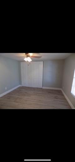 Photo 5 of 8 of home located at 1305 Autunm Dr Tampa, FL 33613