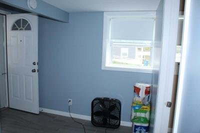 FRONT   ENTRY  ROOM