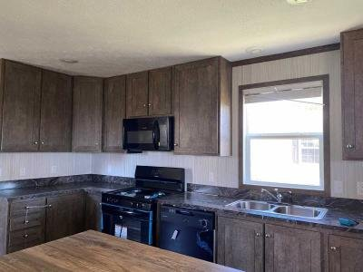 Mobile Home at 52 South St Hartford, IA 50118