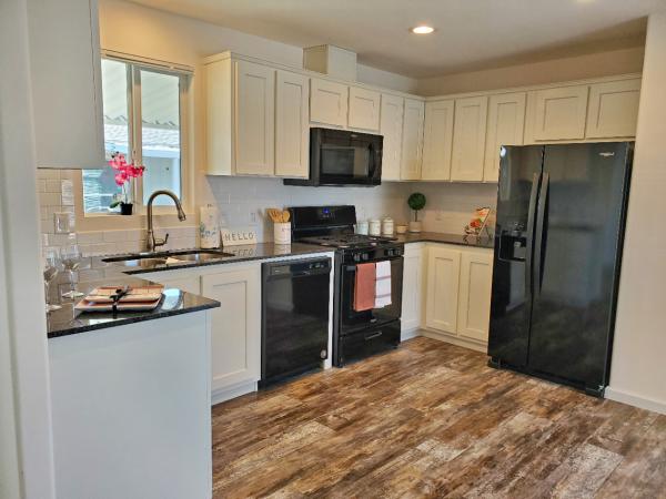 2021 Redman Creekside Manor Mobile Home