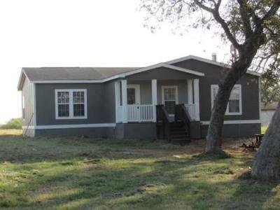 Mobile Home at 3862 County Road 427 Stockdale, TX 78160
