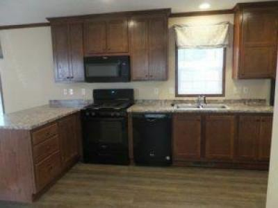 Mobile Home at 274 West Woodside Holland, OH 43528